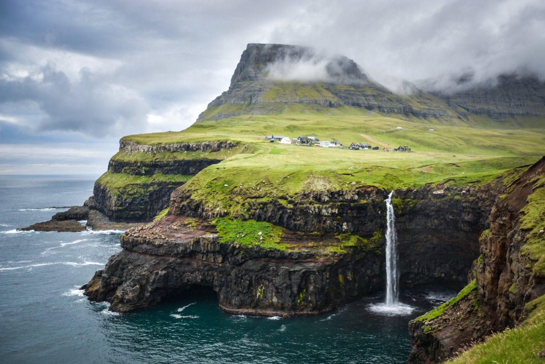 Múlafossur Waterfall Gasadalur Faroe Islands Водопад Мулафоссур Фареры фото